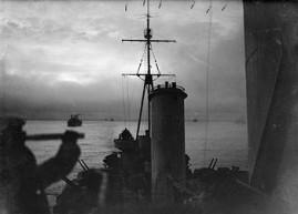 HMS_Sheffield_convoy