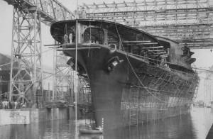 Авианосец «Акаги» (яп. 赤城) Военно-морской арсенал в Куре, 6 апреля 1925 г.